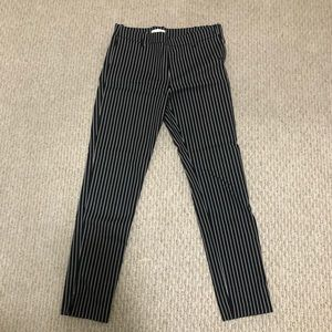 Striped cropped pants with zipper on the side